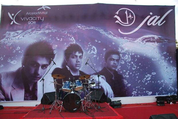 JAL performing live at vivacity 2011