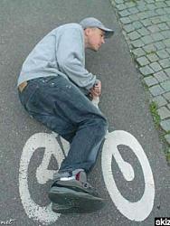 Click image for larger version.  Name:Bike-.jpg Views:7 Size:35.9 KB ID:20235