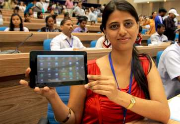 Cheap tablet pc aakash performance issues