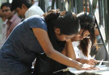 IIT-JEE-2012-expected-cut-offs-and-qualifying-ranks-for-all-categories
