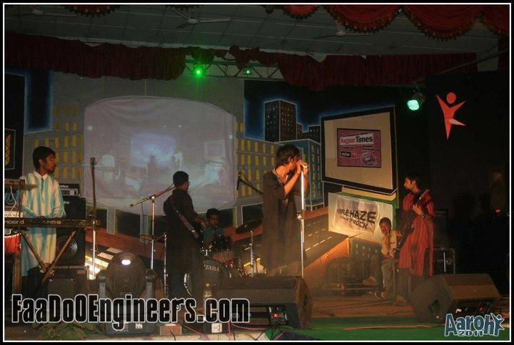 purple-haze-the-carnival-of-rock-aaarohi-vniit-nagpur-photo-gallery-012