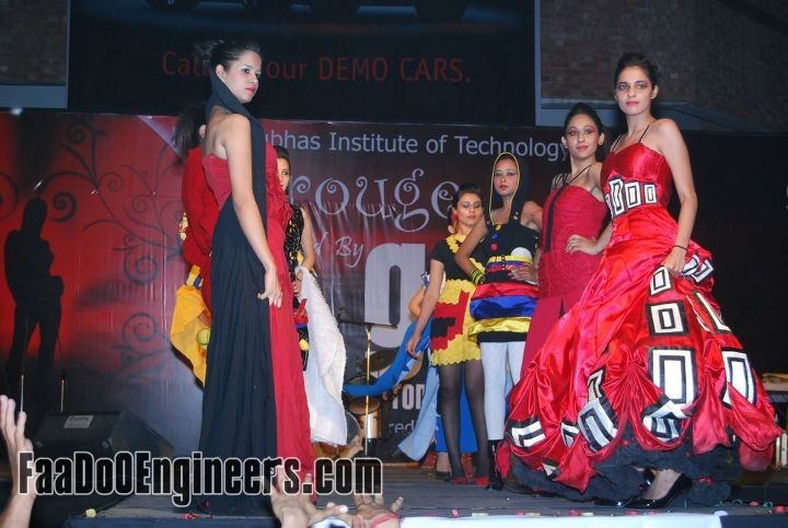 rouge-the-fashion-parade-team-nsit-moksha-2010-photo-gallery-012