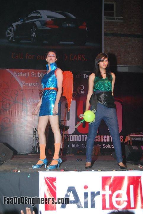 rouge-the-fashion-parade-team-nsit-moksha-2010-photo-gallery-014